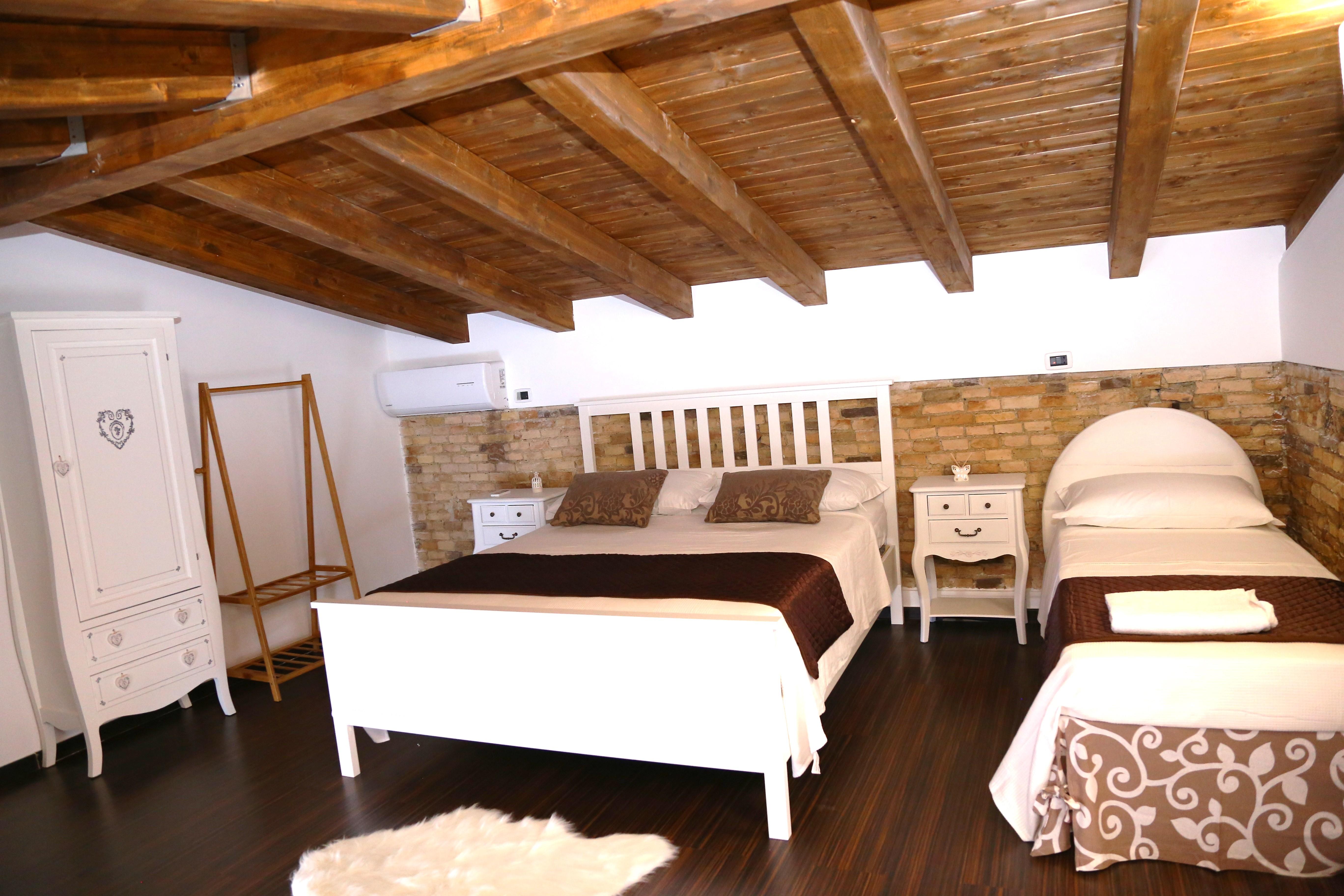 Camera roma b b sant 39 antonio for Camera roma